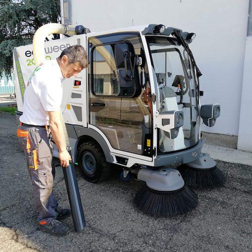 eco-sweep-2000-action04